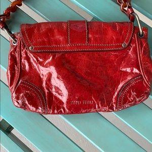 Miu Miu Bags - Miu Miu handbag blood red 🍎